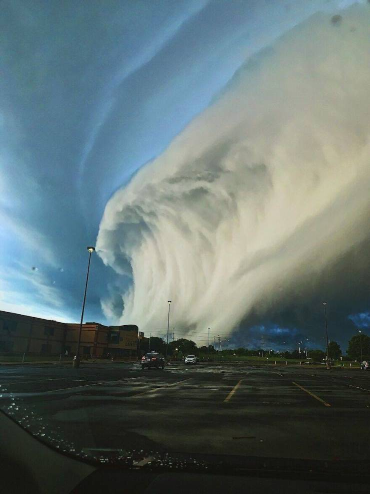 """Take A Look At The Winners Of """"Weather Photographer of the Year"""""""