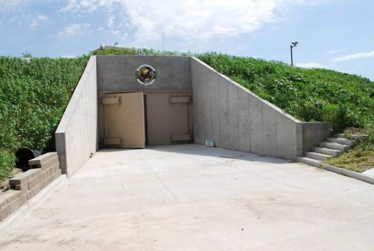 Inside A $3 Million Luxury Survival Bunker…