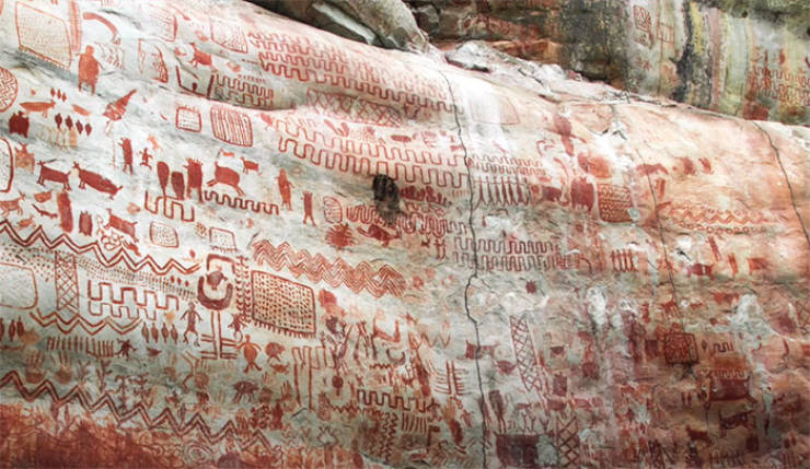 A 13-Kilometer Wall Fully Covered In Prehistoric Paintings Was Discovered In Remote Amazonia!
