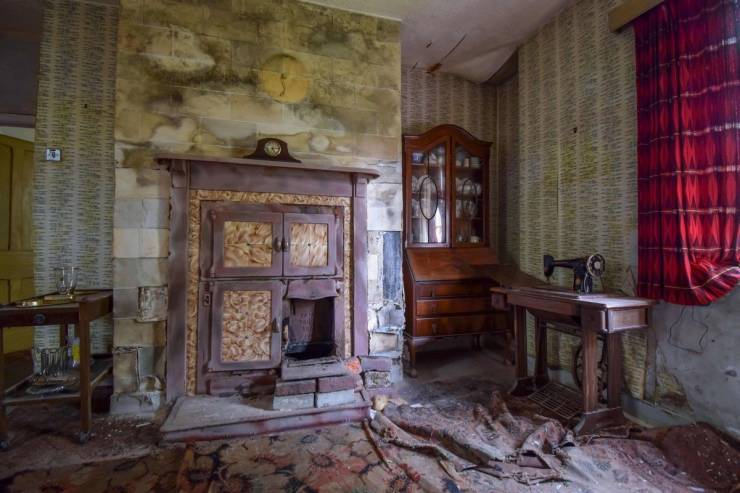 Farm House That Was Abandoned Almost 70 Years Ago