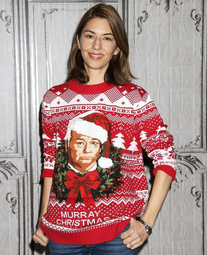 "Celebs Love Wearing ""Ugly"" Christmas Sweaters!"