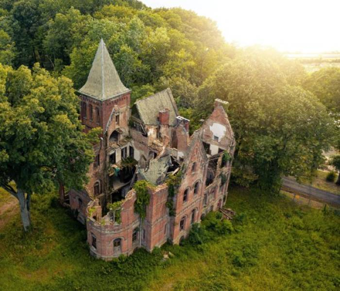 Some Abandoned Places Look So Cool!