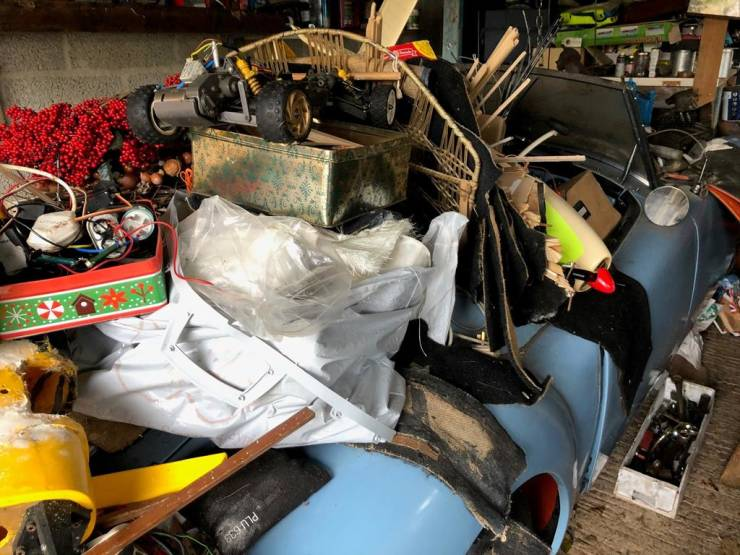 """A Buried Treasure: """"MGA"""" Roadster Discovered After Nearly 60 Years Of Being Hidden Under A Pile Of Trash"""