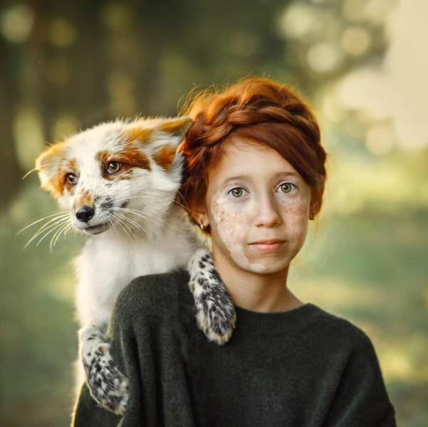 Photographer Shows Beautiful Connection Between The World Of Humans And The World Of Animals