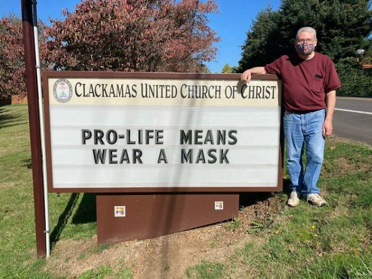 Clackamas United Church Of Christ Goes Viral Thanks To Their Clever Signs