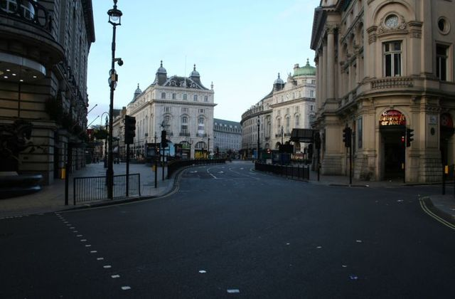 London the next morning after Christmas (41 photos)
