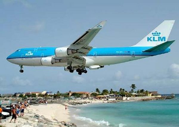 The airport with the most short runways (10 pics)
