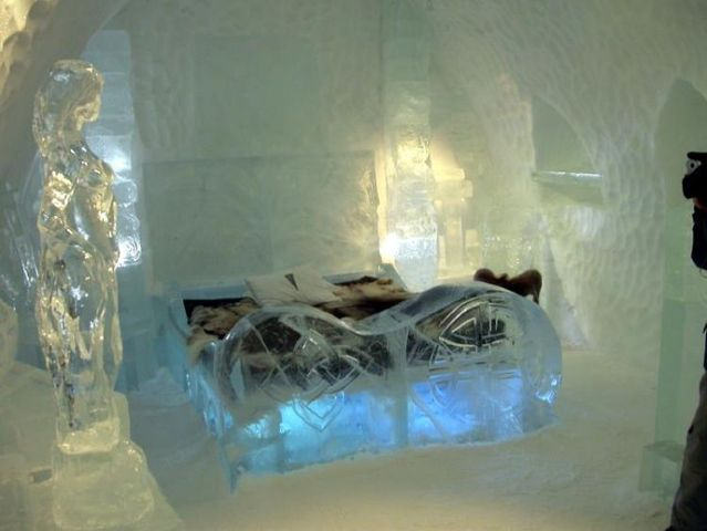 famous ice hotel in sweden 50 pics. Black Bedroom Furniture Sets. Home Design Ideas