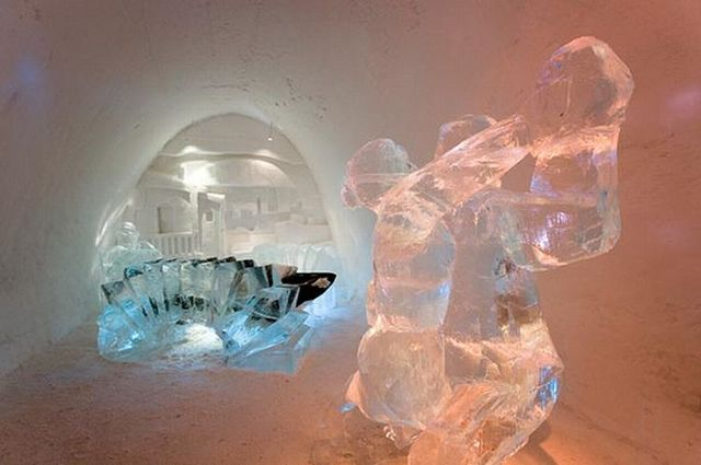 Famous Ice Hotel in Sweden (50 pics)