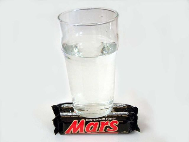Sensation! Finally they found water on Mars! (2 pics)