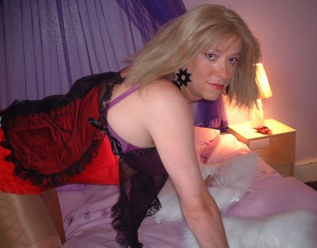 Transvestites. The hidden side of life (36 pics)