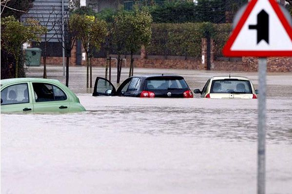 Fierce storm in Europe (17 pics)