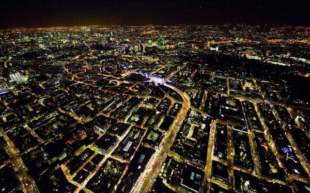 London by night from above (24 pics)