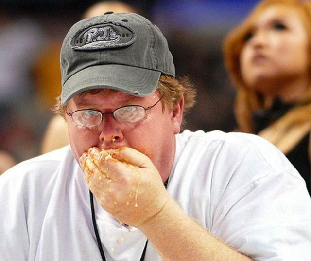 Wing Bowl, an annual eating contest (19 pics)