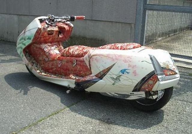Japanese scooters (20 pics)
