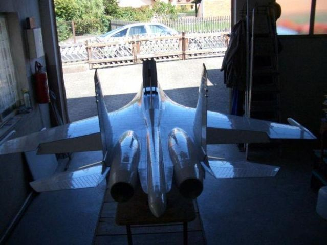He built a Jet Aircraft (50 pics + video)