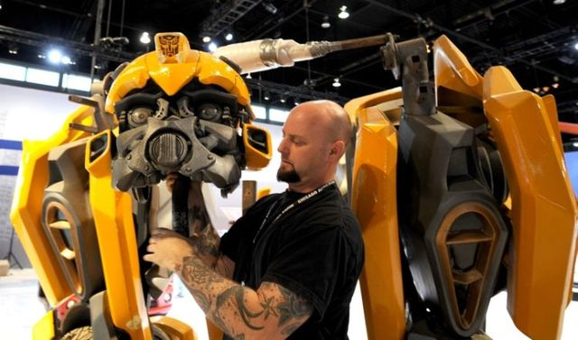 Autobot Bumblebee from Transformers 2 (9 pics)