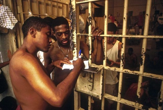 Cruel truth about Brazilian prisons  (21 pics)