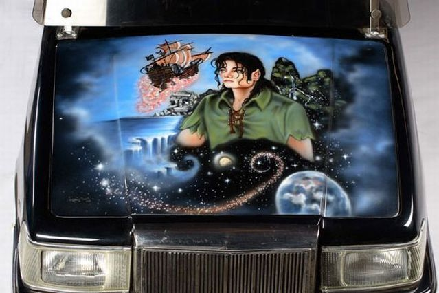 Michael Jackson sells out his property on auction (29 pics)