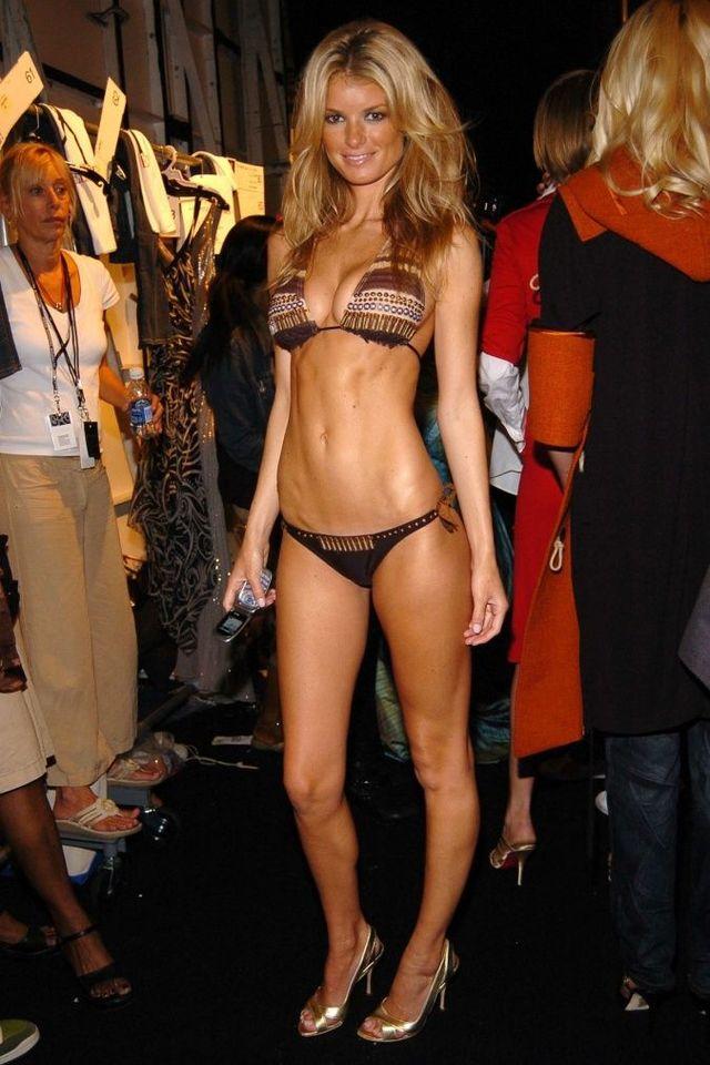 Wow! Celebs in bikini! (69 pics)