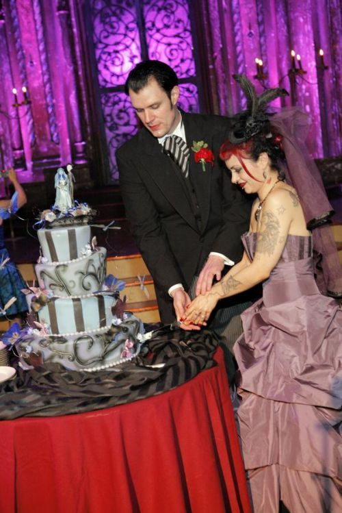 Gothic marriages (46 pics)