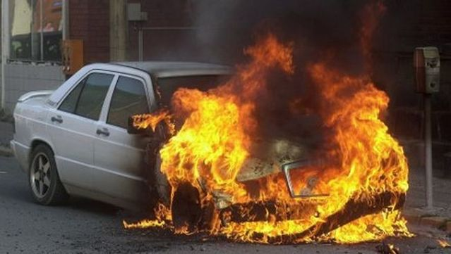 Luxury cars are being burnt in Germany (16 pics)