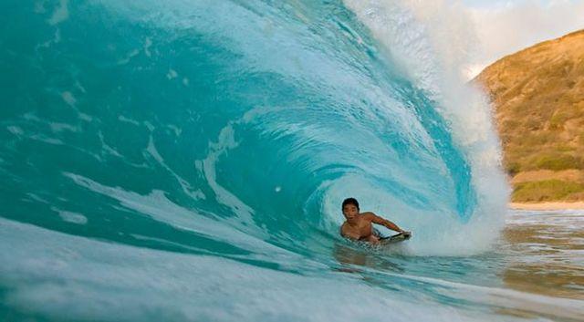 Inside a wave (27 pics)