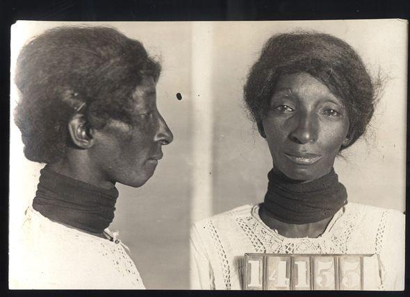 Mug shots from the past (44 pics)