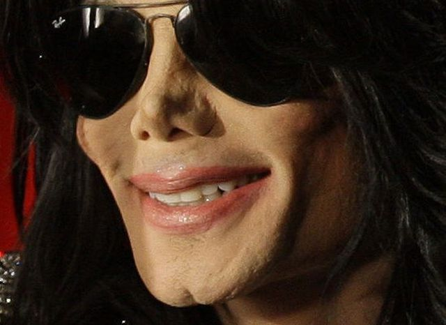 What does Michael Jackson look like now (21 pics)