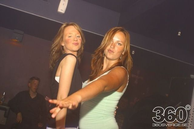 Swedish girls at the night clubs (55 pics)
