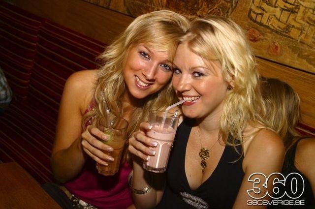 2 lindas garotas de programa - 3 9