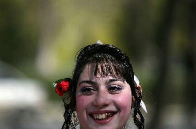 Gypsy brides market in Bulgaria (15 pics)