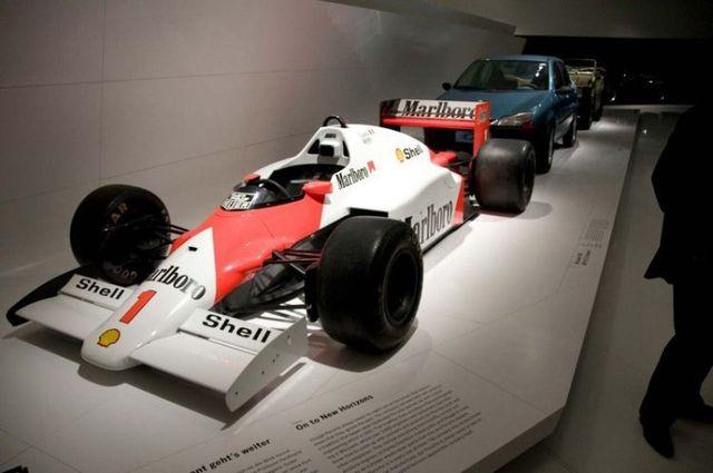 Porsche museum in Stuttgart (51 pics)