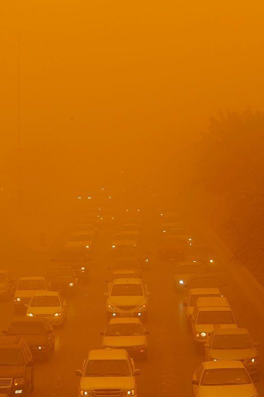 Sandstorm in Saudi Arabia (11 pics)