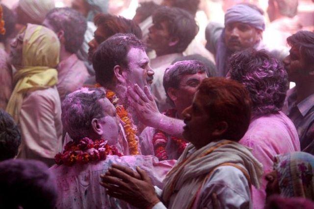 Festival of colors (27 pics)