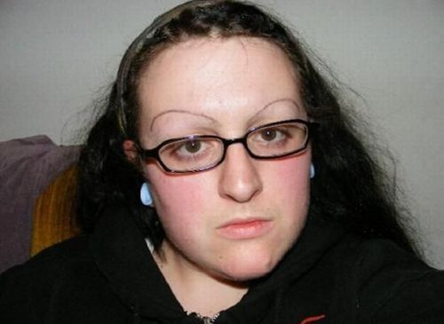 Weird and ugly eyebrows (37 pics)