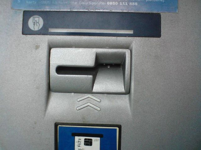 Credit card skimming. Be carful! (11 pics)