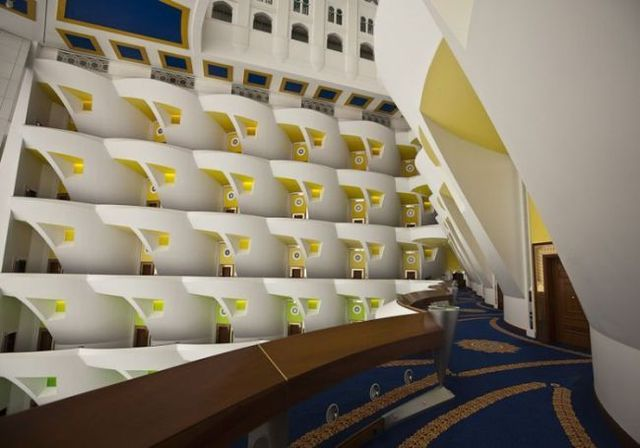 Luxury dream-hotel Burj Al Arab (26 pics)