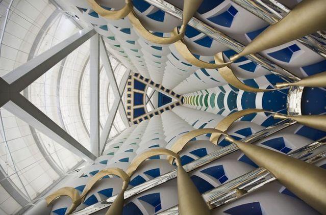 Luxury dream-hotel Burj Al Arab (26 pics)