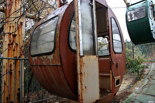 Abandoned and forgotten (70 pics)