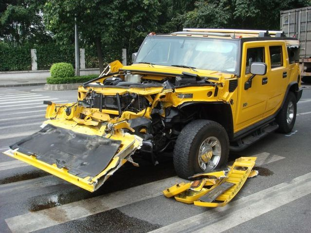 Are Hummers that solid as we think (21 photo + 1 video)