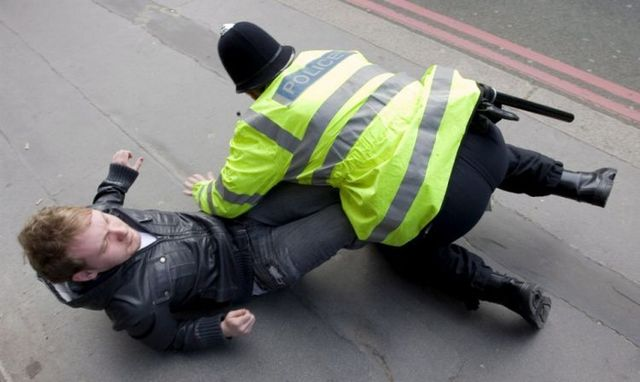 Riots in London (29 photos)