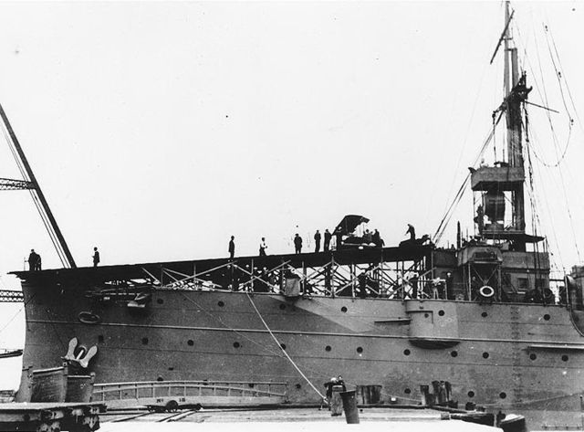 The first aircraft carrier (17 pics)