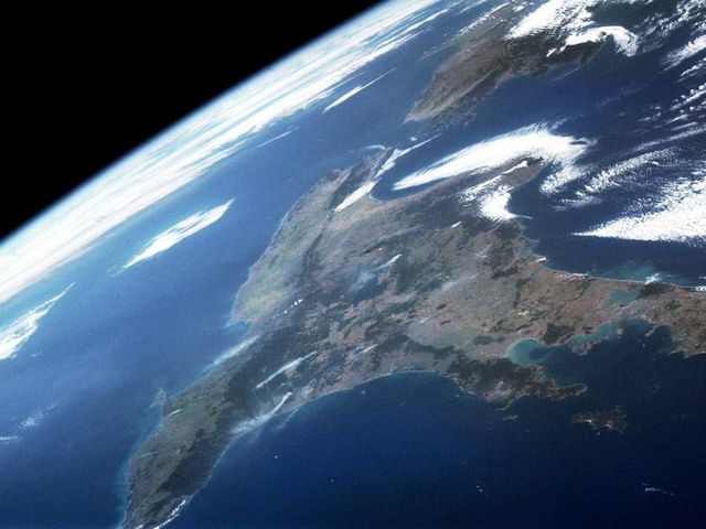 Earth seen from space (39 pics)