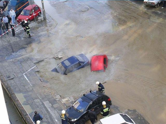 Another 2 drowned cars (6 pics)