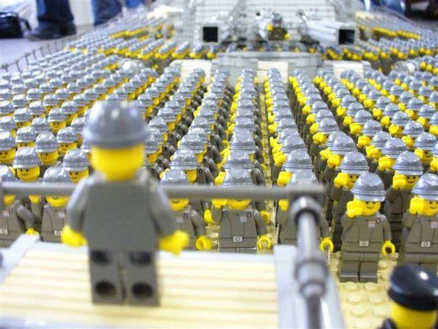 Lego Yamato battleship (28 pics)