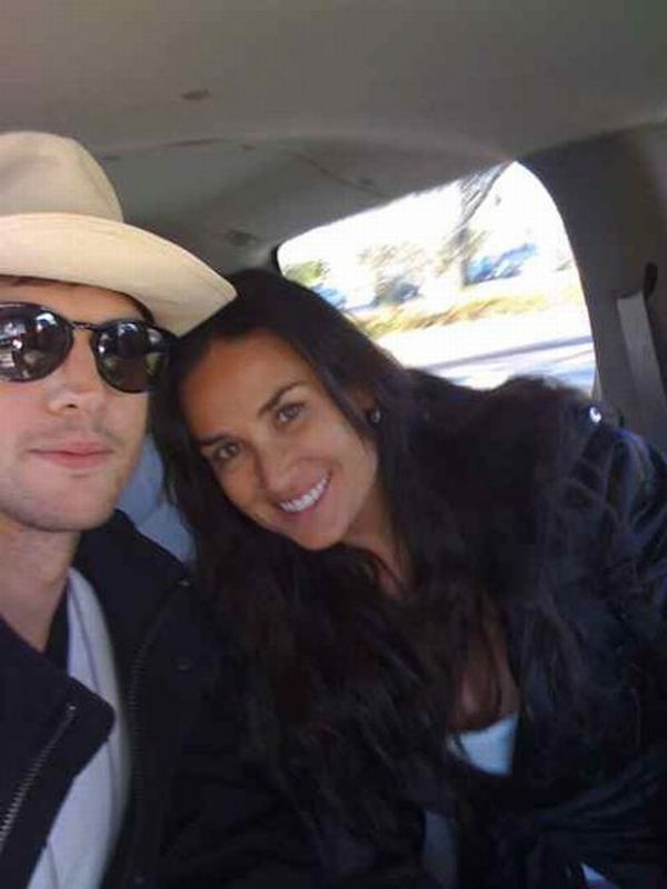 Private photos of Demi Moore and Ashton Kutcher (9 photos + text)