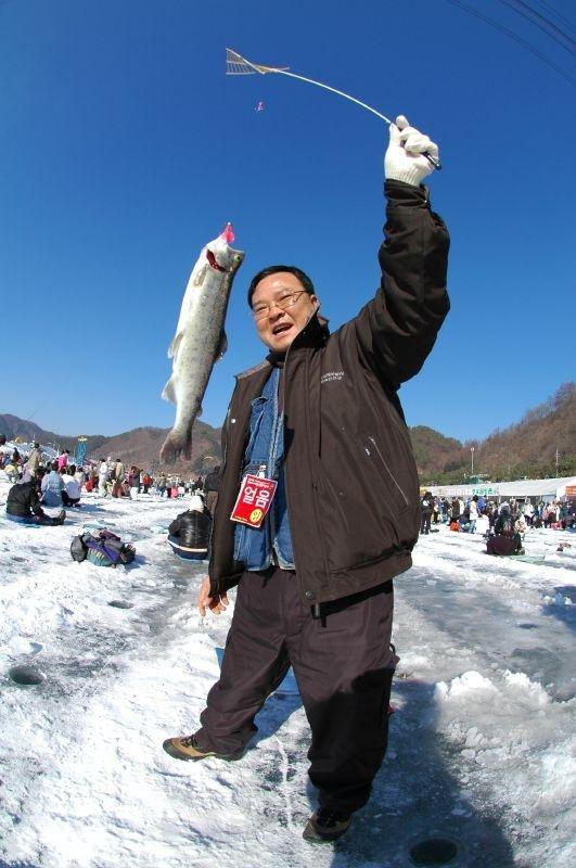 Ice Fishing Festival In South Korea (13 pics) - Izismile.com