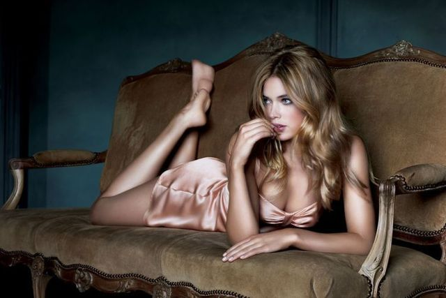 Doutzen Kroes, a real angel (23 pics)