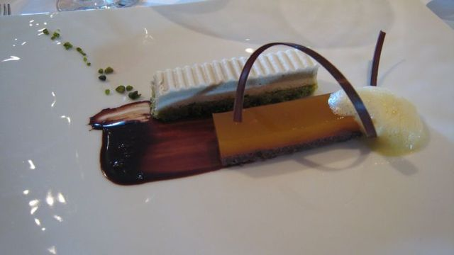 One of the most expensive restaurants in the world (25 pics)